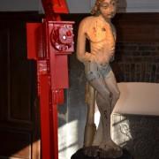 Homme #6 - Femme                                      L : 42 cm                                   l:  30 cm                                   H : 217 cm